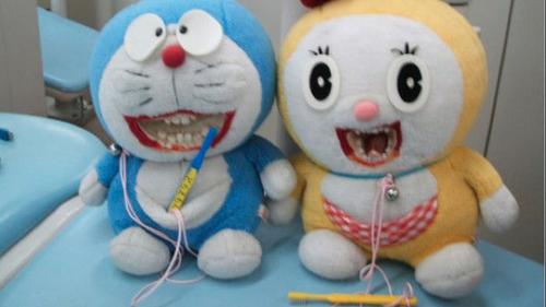 người nhật đánh răng