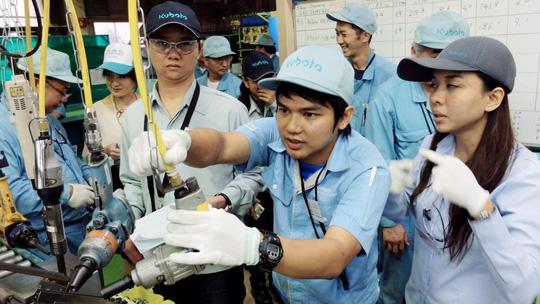Nhật Bản thúc đẩy cho phép lao động nước ngoài ở lại lâu dài