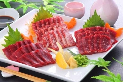 Thịt ngựa sống (Babashi)
