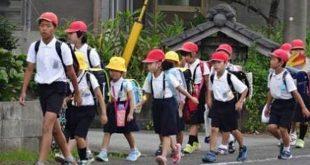 Các bé tự đến trường theo nhóm /// Ảnh: Blog cá nhân